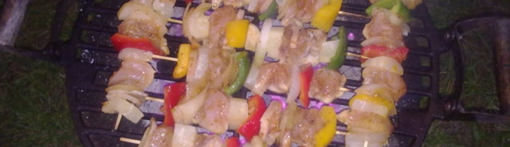 szaszłyki z piersi kurczaka z ananasem lub brzoskwinią
