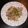 Indyk w sosie morelowym na ryżu z zielonym groszkiem