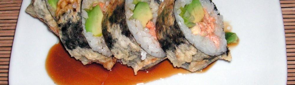 Maki z pieczonym łososiem w tempurze