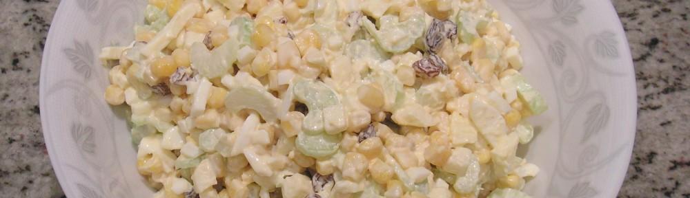 Sałatka z selera naciowego z kukurydzą i rodzynkami