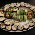 Sushi maki z paluszkami krabowymi surimi i omletem tamago