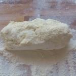 pojedyncza porcja masy serowej na leniwe