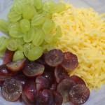 składniki sałatki z winogron z czosnkiem