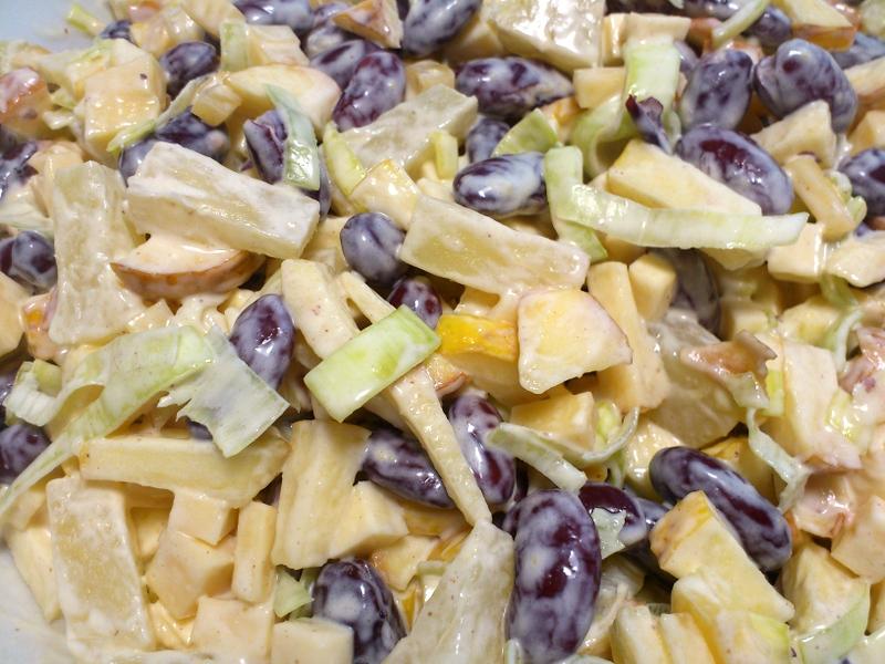 Jak Zrobic Salatke Z Czerwonej Fasoli Z Ananasem Mojedania Pl