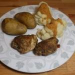 Duszone udka kurczaka z kalafiorem i ziemniakami w mundurkach