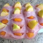 Pierś indyka faszerowana jabłkami i morelami