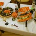 Taki sobie zastawiony stół z sushi