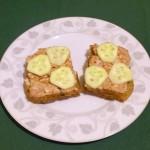 Kanapki z mielonką i ogórkami