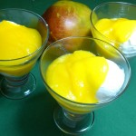 Niby-lody z jogurtu z mango