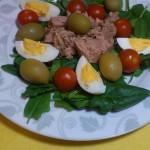 Sałatka z tuńczyka ze szpinakiem
